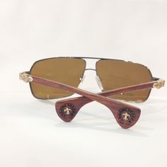 4c001a17b85 Chiếc kính Moore Head với mắt vuông đen cùng gọng mắt được phủ PVD không gỉ
