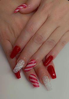 #coffinnails #nailtrends #calinails #nailsonfleek #prettynails #acrylicnails #christmasnails #blingnails #glowinthedark #fairydustnails Snowflake Nails, Snowflakes, Coffin Nails, Acrylic Nails, Pretty Nail Designs, Fairy Dust, Bling Nails, White Acrylics, Nail Trends