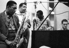 John Coltrane, Cannonball Adderley, Miles Davis, Bill Evans Durante la sesión de Kind of Blue.