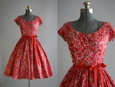 Vintage 1950s Dress / 50s Cotton Dress / Jerry Gilden Red and Pink Floral Dress w/ Ruching XS/S