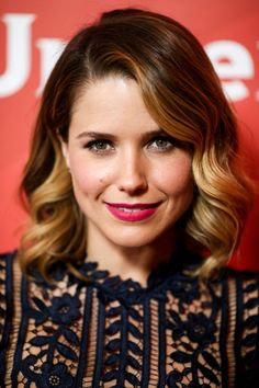Styled Waves - The Most Stylish Medium-Length Hairstyles - Photos