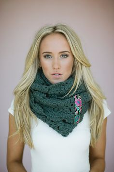 I know this is about the scarf, but I love the hair! Fall is coming. | Chunky TEAL Crochet Infinity Scarf