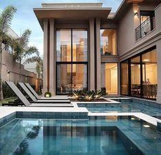 ¿Cómo Innovar en Bienes Raíces? Consejos para hacerlo excelente Dream Home Design, Modern House Design, Villa Design, Swimming Pool Designs, Swimming Pools, Boho Glam Home, Luxury Homes Dream Houses, Dream House Exterior, Luxury Homes Exterior