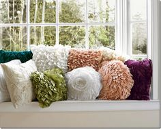 Love these #ruffled #pillows