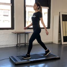 The perfect treadmill for office exercise Foldable Treadmill, Folding Treadmill, Commercial Fitness Equipment, No Equipment Workout, Office Exercise, Gym Room, Dark Skin Tone, Running Women, Sports