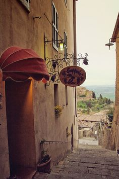 Ristorante on the steps - Montalcino, Tuscany  | by © Pug!
