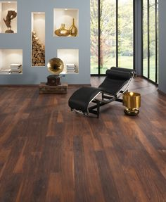 We love this look – dark wooden flooring with duck-egg blue walls! Get the look with Florstore OnTrend and our range of Krono laminated flooring! For the walls, try Pastel Tint paint. Flooring Options, Carpet Flooring, Wooden Flooring, Flooring Ideas, Flooring Installation, Murs Pastel, Floor Design, House Design, Houses