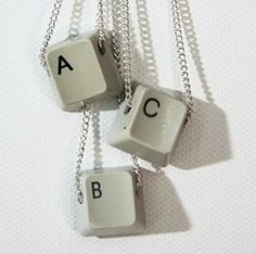 One for the ladies, keyboard keys necklace! So many things to make with letters. Possibilities are endless. Key Crafts, Jewelry Crafts, Jewelry Art, Keyboard Keys, Computer Keyboard, Diy Accessoires, Key Necklace, Creative Gifts, Diy Fashion