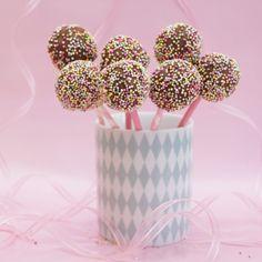 Cakepops, harlequin, sprinkles, strössel, kalas, fika, molban, annashjartan