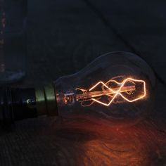8-point Filament Bulb