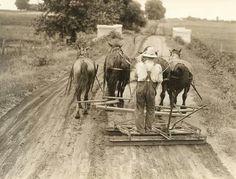 Road grading team, USA - 1919