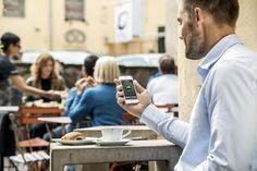 Husqvarna Automower pensa al tuo prato, mentre tu puoi pensare ad altro... o controllarlo da remoto, tramite smartphone o smartwatch
