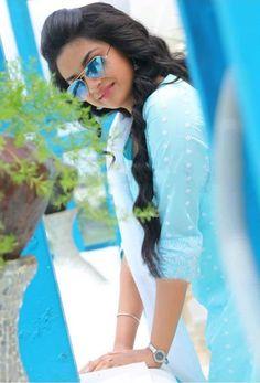 Celebritys photos, fashion photos, party pics, celeb families and Celebritys videos looking Beautiful Girl Photo, Beautiful Girl Indian, Beautiful Girl Image, Beautiful Women, Most Beautiful Bollywood Actress, Beautiful Actresses, Indian Photoshoot, Indian Actress Photos, Bollywood Girls