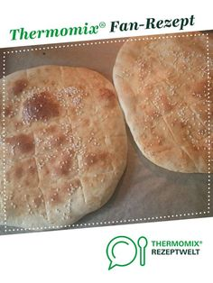 Ein Thermomix ® Rezept aus der Kate… Pide – Turkish flatbread of equadrat. A Thermomix ® recipe from the category Bread & Rolls on www.de, the Thermomix® Community. Best Pancake Recipe, Pancake Recipes, Homemade Rolls, Homemade Pancakes, Bread Bun, Evening Meals, Burger Recipes, Dinner Rolls, Easy Meals