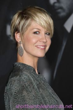 short hairstyles for fine hair | 2012 Short Haircuts Ideas, Razor Cut Short Hair | Short Hairstyles and ...