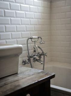 Vintage Style Bath - Royal Roulotte