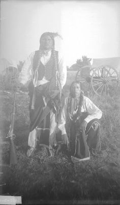 Native American - Kiowa man and woman Native American Drawing, Native American Women, Native American Indians, American Art, Indian Tribes, Native Indian, Old West, First Nations, Old Photos