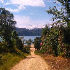 walking into guatemala  #tb #lastweek #guatemala #bordercrossing #mexico #travelling #goyourownway #hiking #summertime #freedom #peaceful #lagunasdemontebello #campingtrip #nature by jo.travelholic