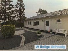 Egevej 14, 4030 Tune - Smukt og TOTAL istandsat og indflytningsklar 1-plans vinkelvilla #villa #tune #selvsalg #boligsalg #boligdk
