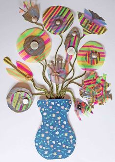 Hippystitch: June 2018 Knitted Flowers, Some People, Community Art, Flower Making, Flower Wall, Crochet Projects, June, Bloom, York