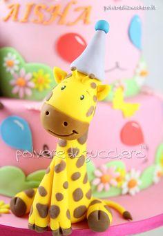 Torta compleanno per una bimba con leone, scimmia e giraffa Birthday cake for a girl with a lion, monkey and giraffe