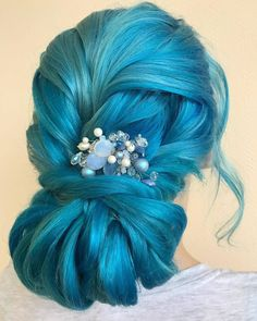 Super Amazing Hair Color rose goldHair Color Ideas For Updo Hair And Bun Hair Styles Hair Color rose Mint Hair, Neon Hair, Yellow Hair, Purple Hair, Short Bob Hairstyles, Bun Hairstyles, Pretty Hairstyles, Hairdos, Blond