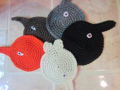 Crochet Cat Butt Coasters by VioletsKnitwear on Etsy https://www.etsy.com/listing/190116615/crochet-cat-butt-coasters