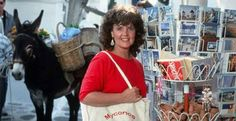 Shirley Valentine Pauline Collins, Shirley Valentine, Pin Pics, Love Movie, Old Movies, My Favorite Things, My Love, Authors, Books