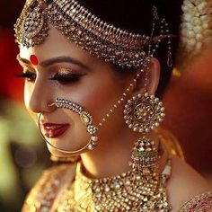 Indian wedding dress In India, the wedding rituals and clothes weding: indian bridal jewelry Indian Bridal Fashion, Indian Bridal Makeup, Indian Wedding Jewelry, Indian Jewelry, Bridal Makeup Pics, Bridal Makup, Bridal Pics, Indian Weddings, Moda Indiana