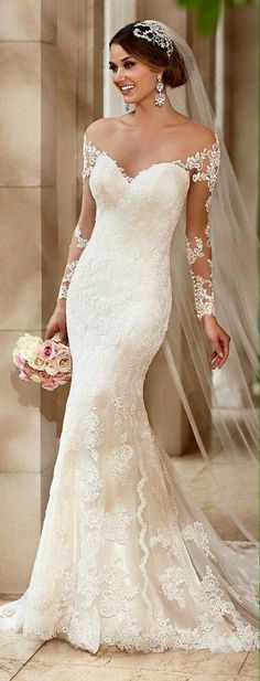 love the lace on this dress
