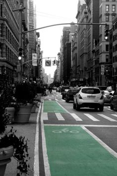#bikepath #green #city #riding #purefix #purecity Bike Path, Traffic Light, Paths, Sunday, Bicycle, Street View, Nyc, Pure Products, City