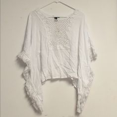 Selling this Bohemian/boho white top in my Poshmark closet! My username is: spakx. #shopmycloset #poshmark #fashion #shopping #style #forsale #Forever 21 #Tops