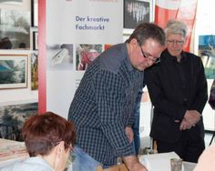 """Malevent bei """"Rostock kreativ"""" in der Kunsthalle Rostock   Frank Koebsch malt bei Rostock kreativ (c) Annett Grabow Watercolor, Couple Photos, Couples, Artworks, Creative, Pen And Wash, Couple Shots, Watercolor Painting, Watercolour"""