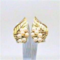 Pearl Earrings - Vintage, Trifari Signed, Rhinestones, Imitation Pearls, Clip on by MyDellaWear on Etsy $21