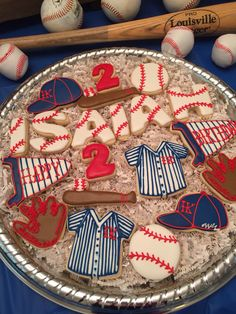 Love the baseball letters Crazy Cookies, Iced Cookies, Cut Out Cookies, Cupcake Cookies, Sugar Cookies, Cookies Et Biscuits, Cookie Frosting, Royal Icing Cookies, Baseball Cookies