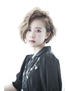 Kpop Short Hair, Short Sassy Haircuts, Wavy Pixie, Perm, Hair Inspo, Salons, Cool Hairstyles, Short Hair Styles, Hair Cuts
