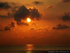 Noaptea pe plaja mea Natural Beauty, Sunrise, Ocean, Celestial, Beach, Nature, Outdoor, Movie, Outdoors