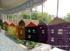 Crochet Burano houses window hanging pattern by Elisabeth Andrée