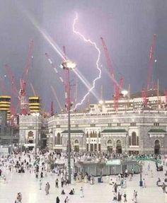 Aproximação do Apocalipse? Guindaste desaba na Grande Mesquita de Meca. Coincidência pela data 11 de Setembro 2015? AVISOS DO CÉU?