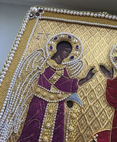 Icon frame. Annunciation. Goldwork, pearl embroidery, silk embroidery. Amethysts, garnets, pearls, purls, gold threads, etc. Made by Larissa Borodich Pearl Embroidery, Silk Ribbon Embroidery, Hand Embroidery, Images Of Mary, Fibre And Fabric, Religious Icons, Gold Work, Embroidery Techniques, Bead Crochet