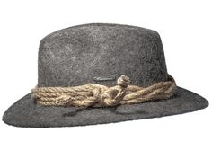 Smuggler - Ungefärbte alpine Bergschafwolle, Sisalkordel, Burmenta-Metallplakette Krempe: ca. 5,7cm