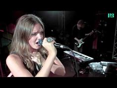 ▶ Tove Lo - Habits - Live i Musikguiden P3 Session - YouTube