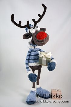 Amigurumi Crochet Pattern - Rudolf the Reindeer XL !This listing is for a crochet pattern and not a finished item! Rudolf the Reindeer XL: The pattern is very detailed and contains a lot of pictures. Rudolf the Reindeer has a wire frame. Crochet Patterns Amigurumi, Amigurumi Doll, Crochet Dolls, Crochet For Beginners, Stuffed Toys Patterns, Crochet Animals, Beautiful Crochet, Reindeer, Crochet Projects