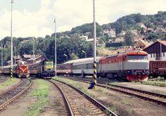 Trains, Vintage, Old Trains, Railings, Train, Vintage Comics