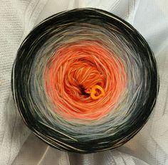 Nr. 237: Hochbausch + 4 hauchdünne Merino Beilauffäden in natur-peche-hellblau und schilf:(in dieser Kombi nur limitiert nachwickelbar): 6 Farben rein: orange mandarine silbergrau stahlgrau graphit schwarz