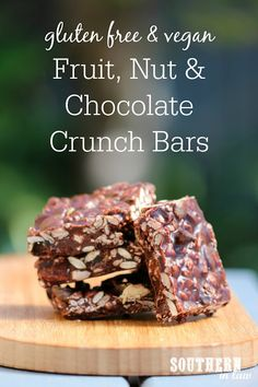 This Healthy Fruit Nut and Chocolate Crunch Bar Recipe is like a guilt free CRUNCH Chocolate Bar – with a twist! Chewy dried fruit, crunchy nuts and cereal combine for a delicious healthy treat that tastes seriously indulgent. No bake, gluten free, vegan, refined sugar free, a clean eating recipe, egg free and freezer friendly.