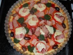 Pizza rapida fara aluat dospit - imagine 1 mare Pizza, Ketchup, Mozzarella, Food And Drink, Keto, Breakfast, Desserts, Drinks, Pie