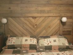 2013 03 04 05.25.11 600x450 Built in headboard and wall