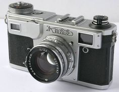 Kiev 4 AM: A Silent Sniper    Let me introduce: a beautiful and very silent Soviet camera, the Kiev 4 (AM version).