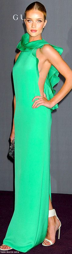 Rosie looks stunning in slinky gown with a gorgeous shade of green. Love the dangerously sexy cutouts on both sides. #Gucci gown #2011
